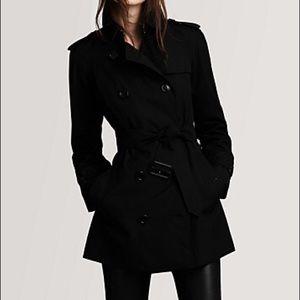 NWT Burberry Mottram Black Short Trench Coat 🧥